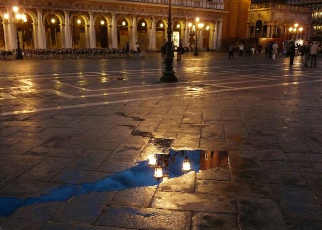Riflessi in Piazza San Marco, Venezia, Italia