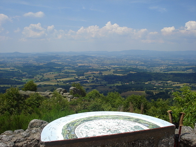 Panorama d'Uchon dans le Morvan (681m)